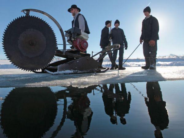 Amish Ice Harvesting