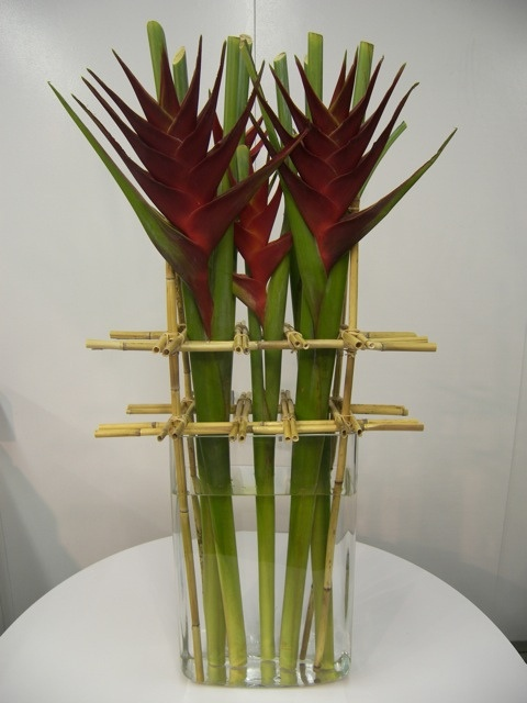 I feel the need to order some new vases ! Gotta try this out