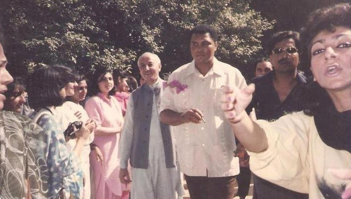 Legendary boxer, Muhammad Ali, arrives at a college in Lahore during his 1988 visit to Pakistan.