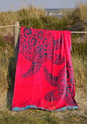 Extra Large Beach Towels - Fuschia Turtle from www.theseasidecompany.co.uk