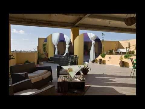 Rif Ap5798 - A Marsala, in vendita attico 185mq 4° e 5° piano con 200mq di veranda e un posto auto.  L'attico è panoramico e luminosissimo, nuovo, super accessioriato e rifinitissimo, con sauna, ascensore interno, due climatizzatori, termo camino, radiatori, due cabine armadio accessoriate. Tre bagni uno con doccia, uno con doccia e sauna e l'altro con vasca doppia e bagno turco, terrazzo vista mare con doccia calda esterna, mini piscina 6 posti jacuzzi, tenda di copertura e veranda. Prezzo…