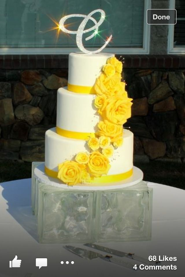 white wedding cake with yellow roses 8 best images about yellow roses on friendship 27426