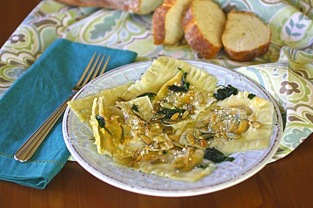 Make ravioli with wontons! Pumpkin, Arugula and Spinach Wonton Ravioli ...