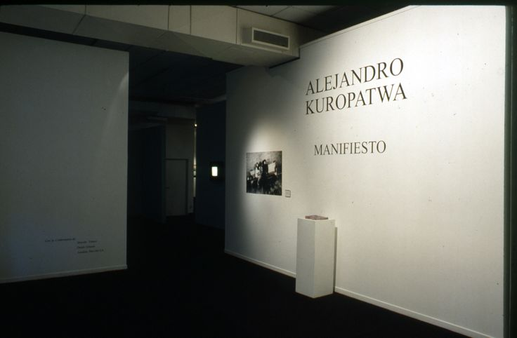 "Kuropatwa's Exhibit ""Manifesto"". National Museum of Fine Arts. Buenos Aires, 2002."