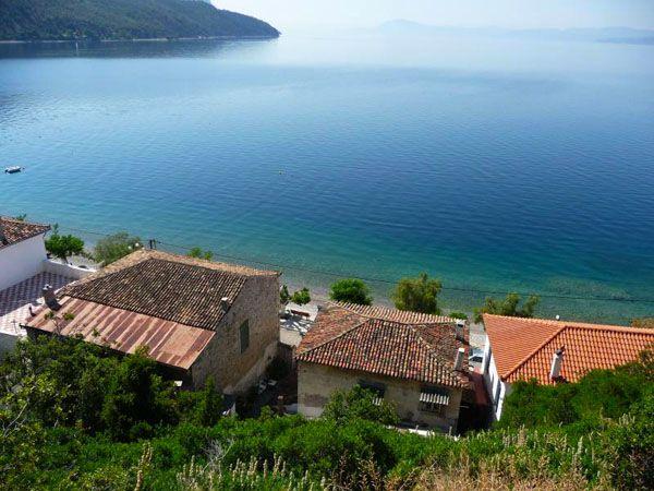 http://www.wondergreece.gr/v1/el/Perioxes/N_Eyboias/Fysi/Paralies/13535-Limni