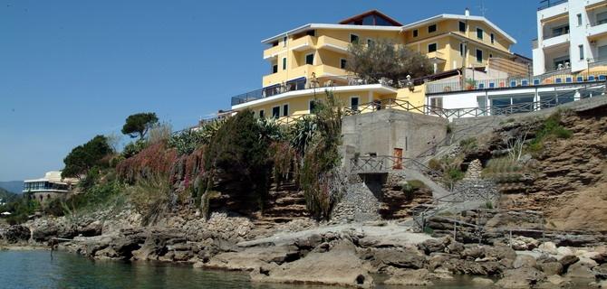 @FFARE HOTEL MIRAMARE DI PALINURO: BUONO SCONTO DI € 140,00 PER SOGGIORNO SETTIMANALE IN TRATTAMENTO DI PENSIONE COMPLETA.  http://www.etichettasud.it/Affare/hotel-miramare-palinuro-buono-sconto-di-14000.aspx?deal=29=5