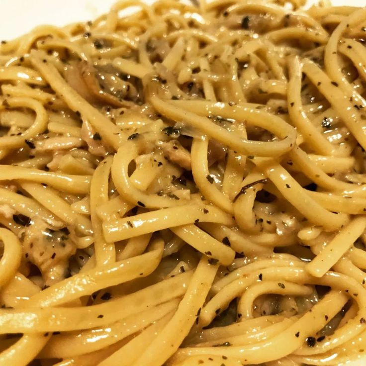 Linguine with Clam Sauce   Clam sauce, White clam sauce ...