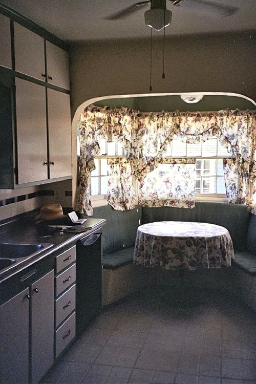Https Www Pinterest Com Explore 1940s Kitchen