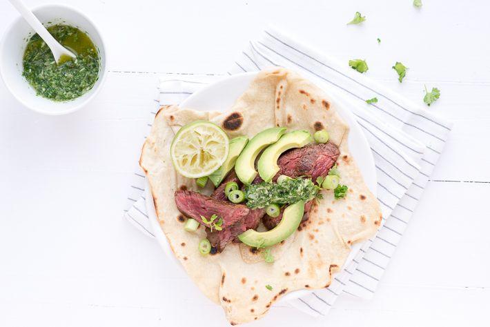 Mmm dit is lekker. Wraps met biefstuk en groene salsa. En ook nog eens supersnel op tafel. Geniet ervan.