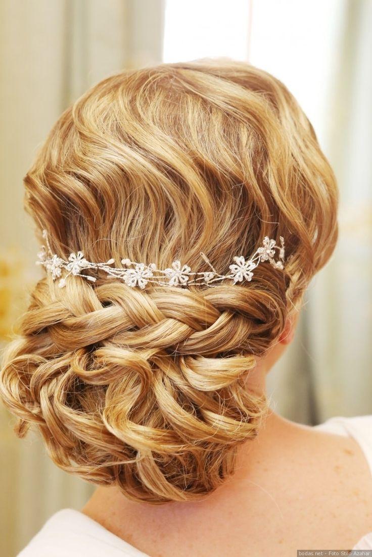 Recogido con tocado para tu boda #wedding #bodas #boda #bodasnet #decoración #decorationideas #decoration #weddings #inspiracion #inspiration #photooftheday #love #beautiful #bride #groom #awesome #hair #hairstyle #complement #outfit
