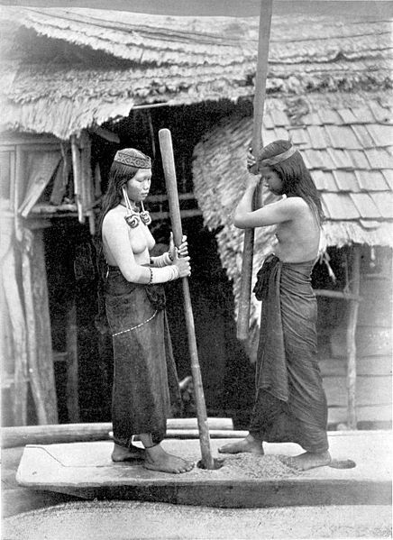 Kenja Dajak women, Indonesia, Borneo
