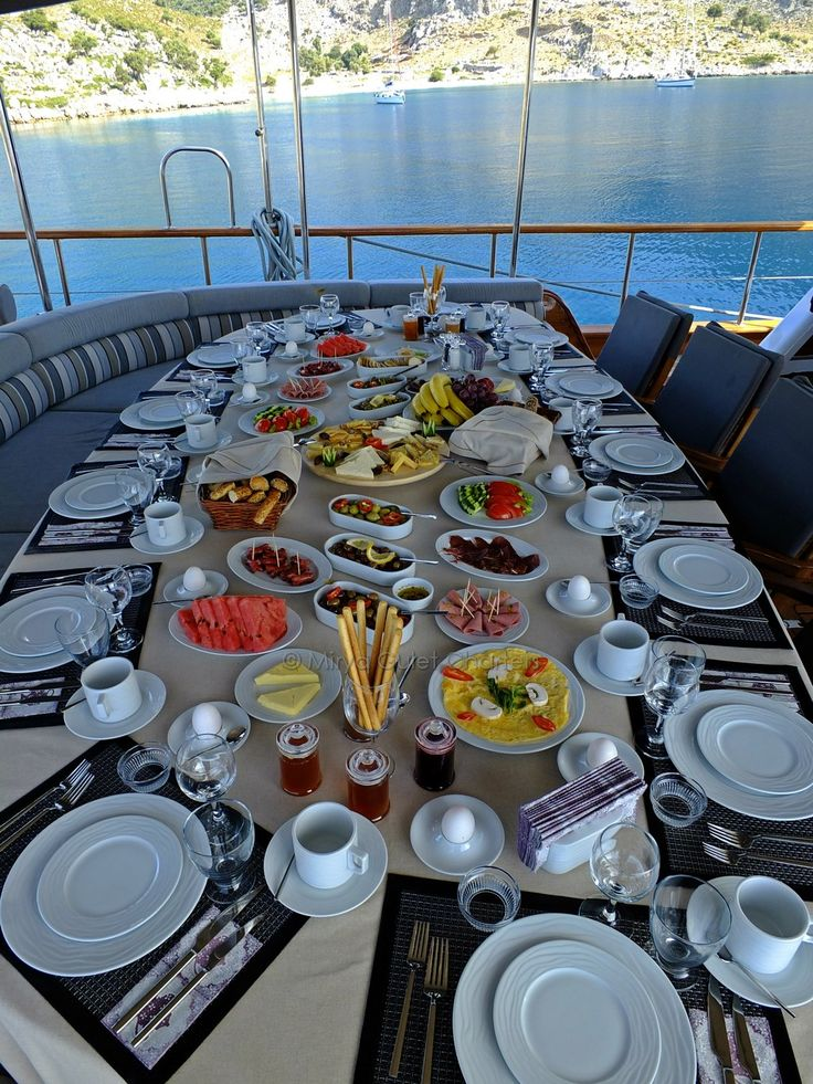 nothing like a #bluecruise #breakfast after a good swim to start your #day #healthy #vacation #miryabluecruise