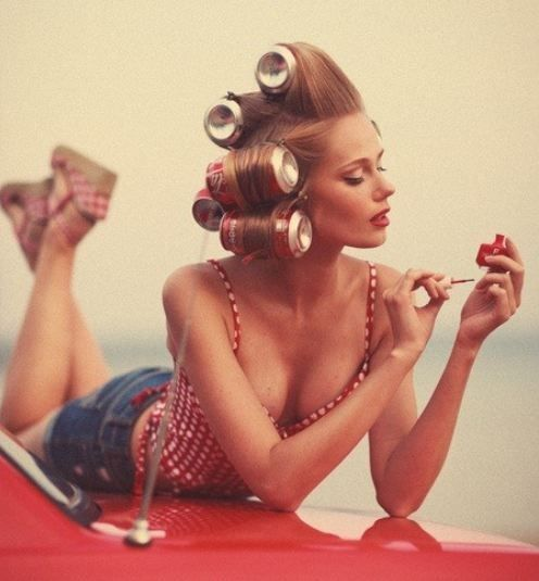 15. A vintage beauty trick: use soda cans as rollers to create big, luscious waves.