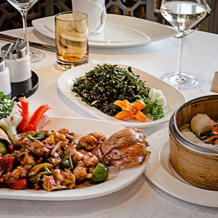 #FOOD | The wholesome flavours of Chinas Sichuan region have come alive at our favourite restaurant House of Ming at the @tajmahalhotelnewdelhi. Indulge in Masterchef Zhou Jians new wintery menu that will put delicious flavours  from Flaky Crabmeat Dumplings in Homemade Chilli Plum Sauce to Ginger Lobster with Homemade Noodles and Red Snapper in Chilli Dobanijan  on your plate. It was time for us to warm our hearts with the warmest of flavours! The winter menu is on at the restaurant till…