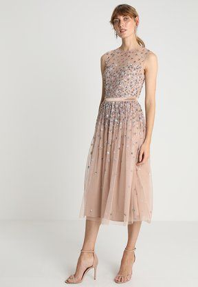 3793d6fdbba19e Maya Deluxe - CLUSTER EMBELLISHED MIDI DRESS WITH YOKE -  Cocktailkleid/festliches Kleid - taupe blush/multi