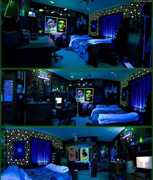 This would be a cool stoner-party room. It needs a disco light though and a bong shelf! :)