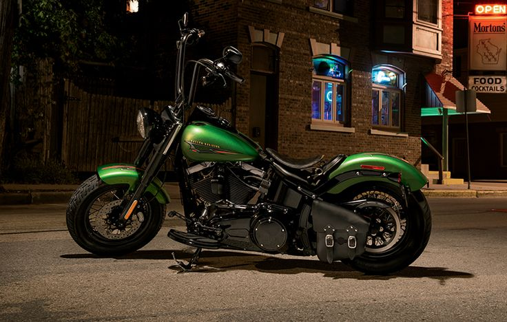 The perfect blend of classic, raw bobber style and contemporary power creates a modern ride that's fully customizable with unmistakable old-iron attitude. | 2015 Softail Slim