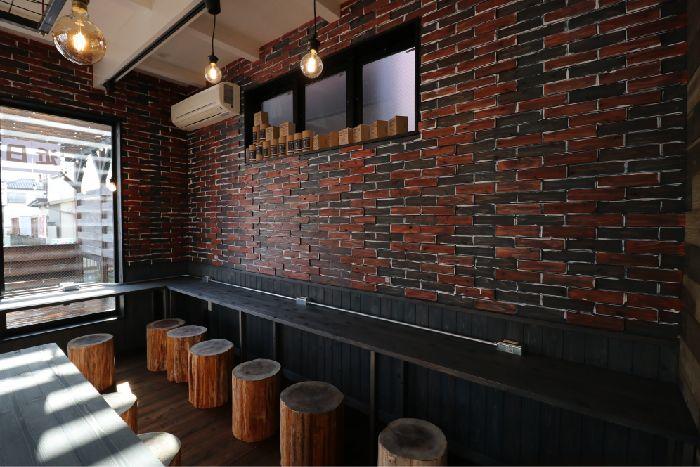 楽天市場 ウッドタイル施工例 セルフカフェ 内装材大問屋 楽天市場店 ウッドタイル カフェ内装 内装
