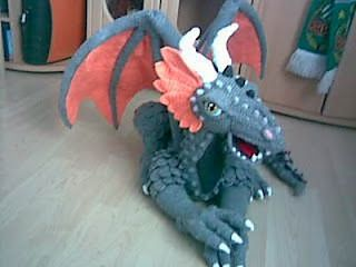 1500 Free Amigurumi Patterns: Dragon- because dragons are awesome and you know it.