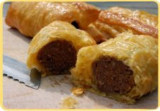 Recept voor Saucijzenbroodjes. we make these for christmas eve