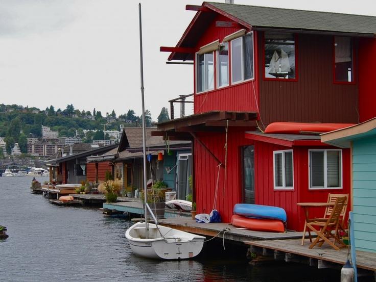Neighborhood in Seattle is all houseboats