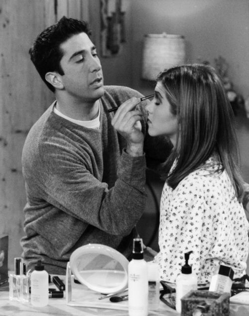 #friends #Ross Geller #makeup helping Rachell Green Jennifer Aniston