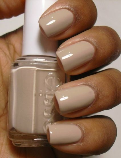 7 Trendy Wedding Manicure Ideas | 4. Full coverage nude nail polish