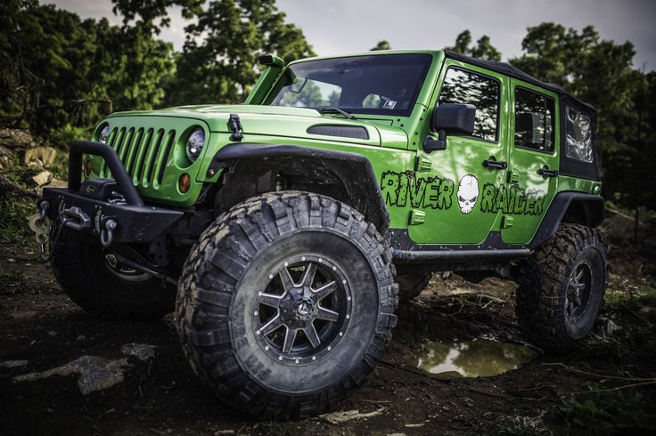 A Jeep Wrangler outfitted with River Raider parts!