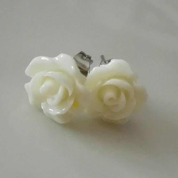 Pure white elegance. Gift under 10