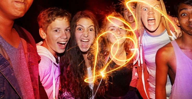 Tűzijáték kisokos, avagy ezeket mondd el a gyerekednek a szilveszteri készülődésben! – 10 hasznos tanács