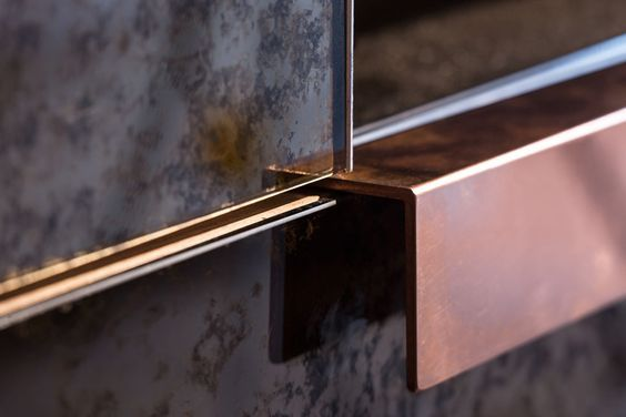 drawer pull // mirrored fronts // detail