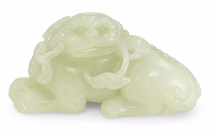A White Jade Mythical Beast, Qing Dynasty, 18th Century, 8cm