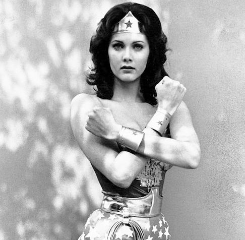 """""""Superman doesn't have to endure extreme makeovers to keep flying, neither should Wonder Woman."""""""