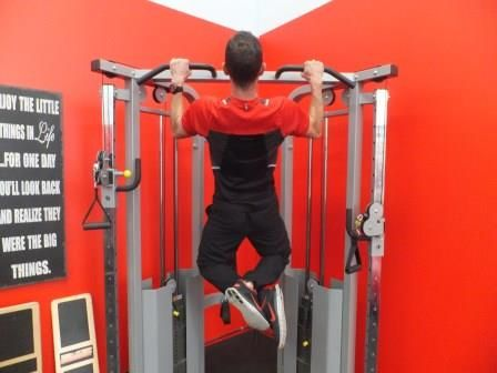 Use Chin Ups To Build Muscle & Core Strength