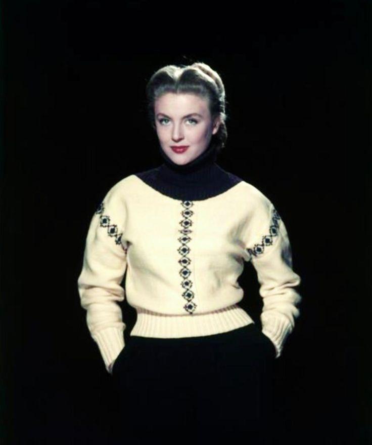 """NEWS / Nicole COURCEL, de son vrai nom Nicole Marie-Anne ANDRIEU, est une actrice française, née le 21 octobre 1931 à Saint-Cloud (Hauts-de-Seine). / MINI-BIO / Après le Cours SIMON elle est remarquée par Jacques BECKER qui lui fait faire des essais pour """"Antoine et Antoinette"""" avant de lui offrir son premier grand rôle au cinéma en 1949 dans """"Rendez-vous de juillet"""". Elle prendra à la scène le nom de famille de son personnage, et devient « Nicole COURCEL ». Elle tournera ensuite aux côtés…"""