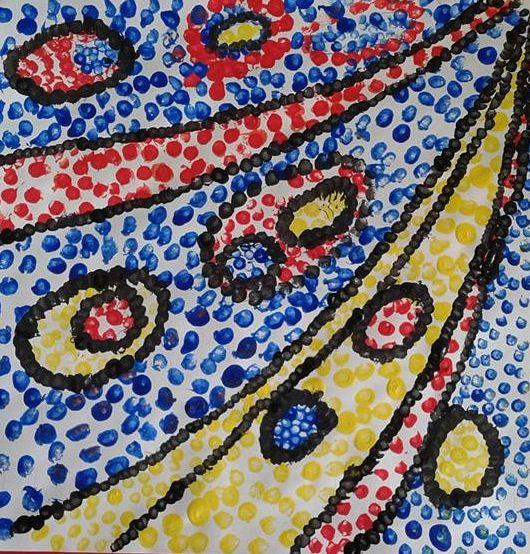 Composizione con punti realizzati con colori a tempera e cotton fiocc