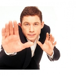I was first introduced to Lee Evans through some great movies like The Fifth Element, Mousehunt and the Medallion. But it wasn't until 2006 my...