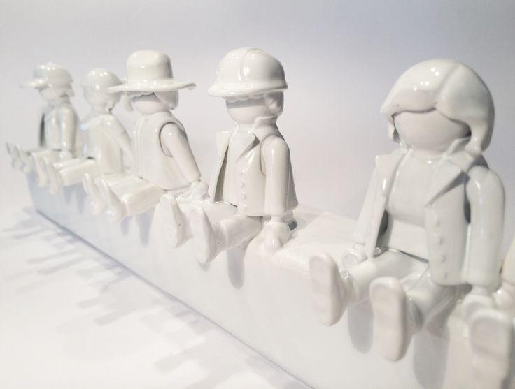 DIY Garderobe aus Playmobil-Figuren