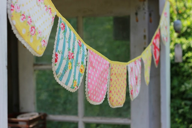 93 Best Images About Buntingspennants On Pinterest Fabric Garland Burlap Bunting And Coffee