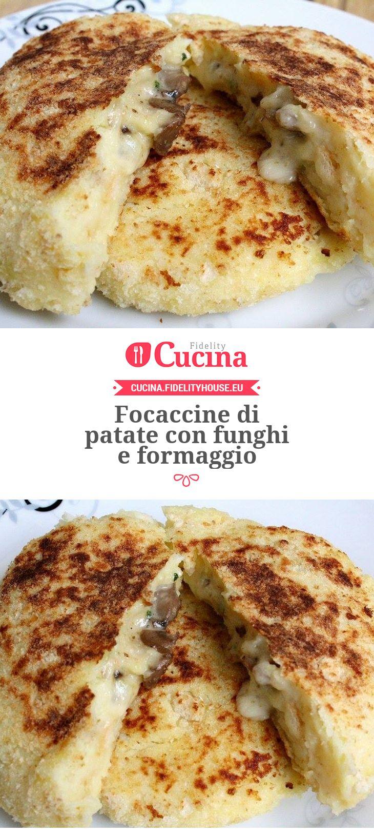 Focaccine di #patate con #funghi e #formaggio della nostra utente Vittoria. Unisciti alla nostra Community ed invia le tue ricette!