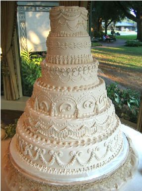 Traditional Wedding Cake - Bronwen Weber Frosted Art Bakery
