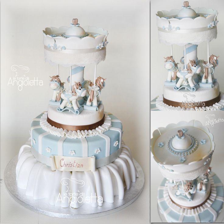 una torta battesimo in pasta di zucchero