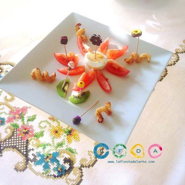 Una manualidad muy creativa y vistosa para decorar tus pinchos, aperitivos y entrantes es decorar palillos de dientes con arcillas poliméricas o pastas flexibles.