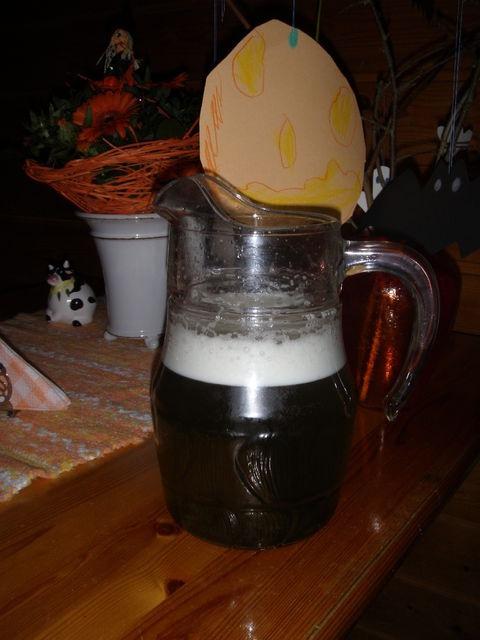 Halloween-myrkkyjuoma. Reseptin on tehnyt Kotikokki.netin nimimerkki Tarja2