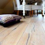 Raftwood, houten vloer uit spoorbielzen