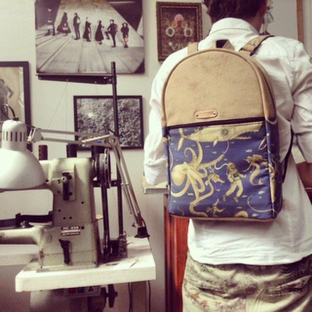 Backpack Trunk in saldo sul sito enjoy theScarletVirgo promo !! #scarletvirgo #handmade #backpack #madeinitaly #madeinmilan #milan #design #artigianato #zaino #palombaro #mare #polpo #octopus #sea #balena #sirena #laboratorio #creativelab #fede