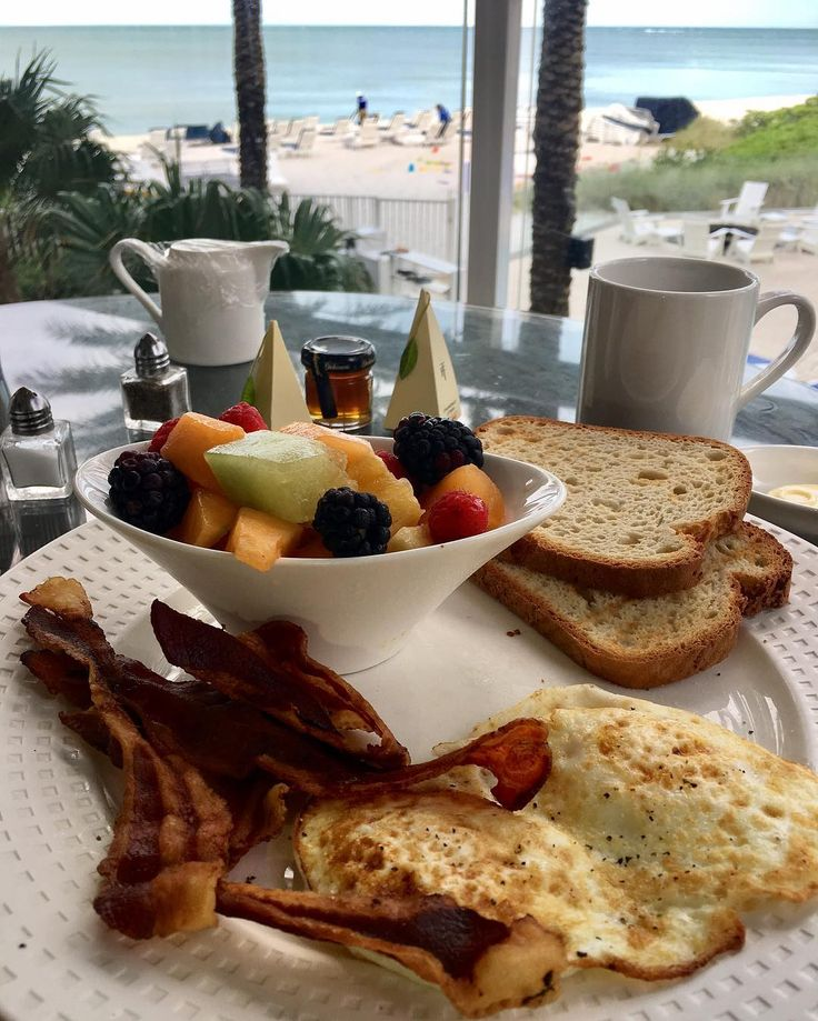 Sunday Breakfast by the sea at Edgewater