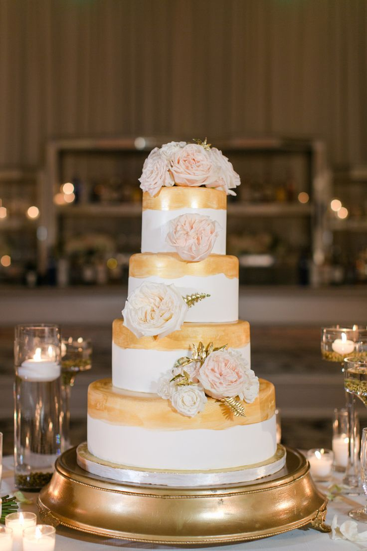 Photography: Jasmine Star - www.jasminestarphotography.com Bakery: Simple Sweet Cakery - www.simplysweetcakery.com   Read More on SMP: http://stylemepretty.com/vault/gallery/57463