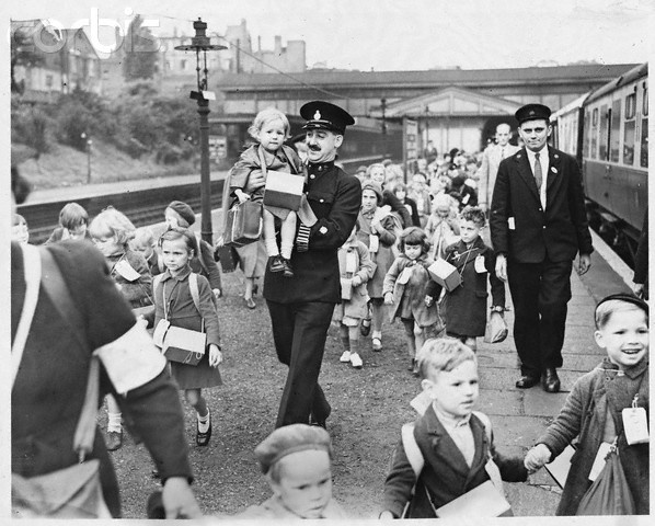Evacuee Children at London Station - HU036099 - Rights Managed - Stock Photo - Corbis