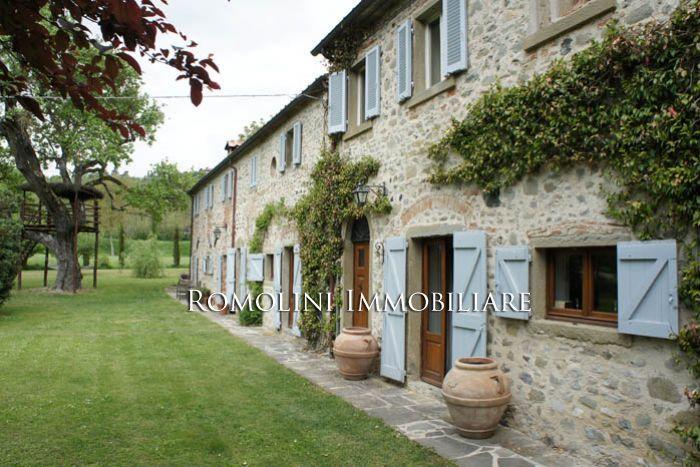 Oltre 25 fantastiche idee su arredamento casale di - Casali di campagna ...